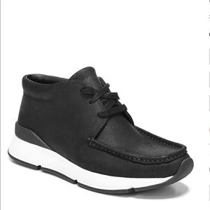 -New 🌟 Vince women sneakers !!!